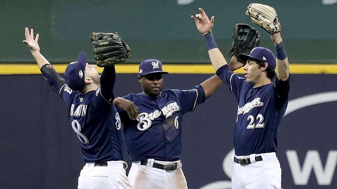 Brewers-win-Game-1-101318-Getty-FTR.jpg