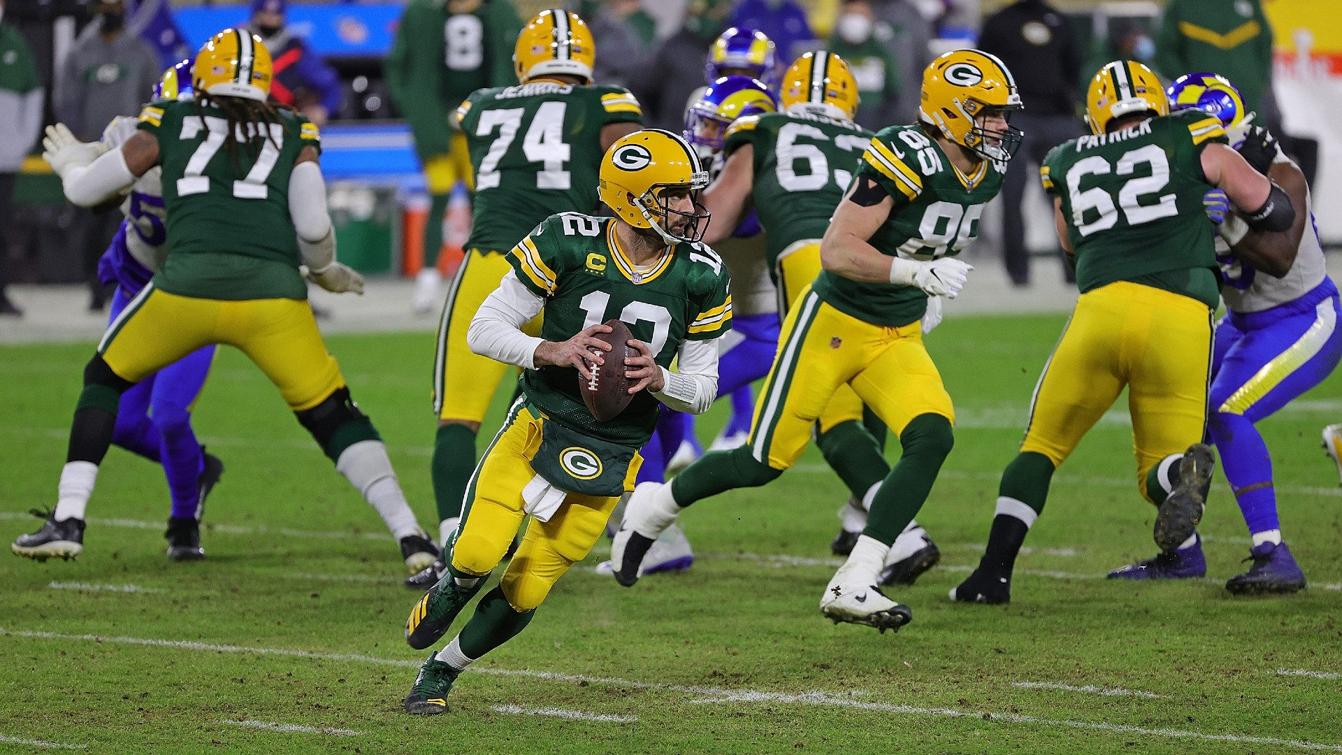 Mike Holmgren blasts Packers for botching Aaron Rodgers situation: 'I wouldn't allow it'