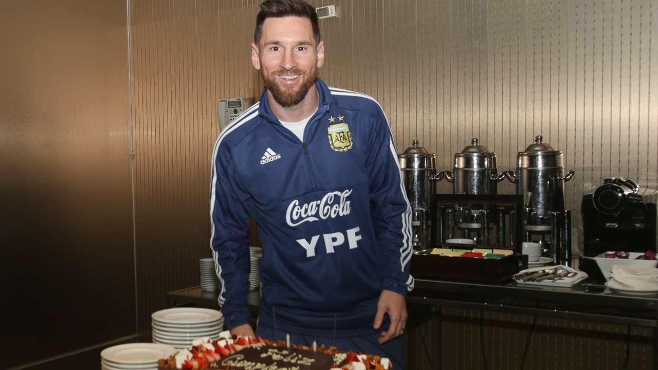 Lionel Messi birthday cake