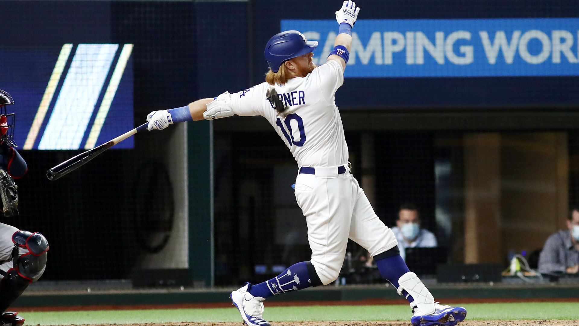There's a simple reason why Justin Turner has a stain on his ...