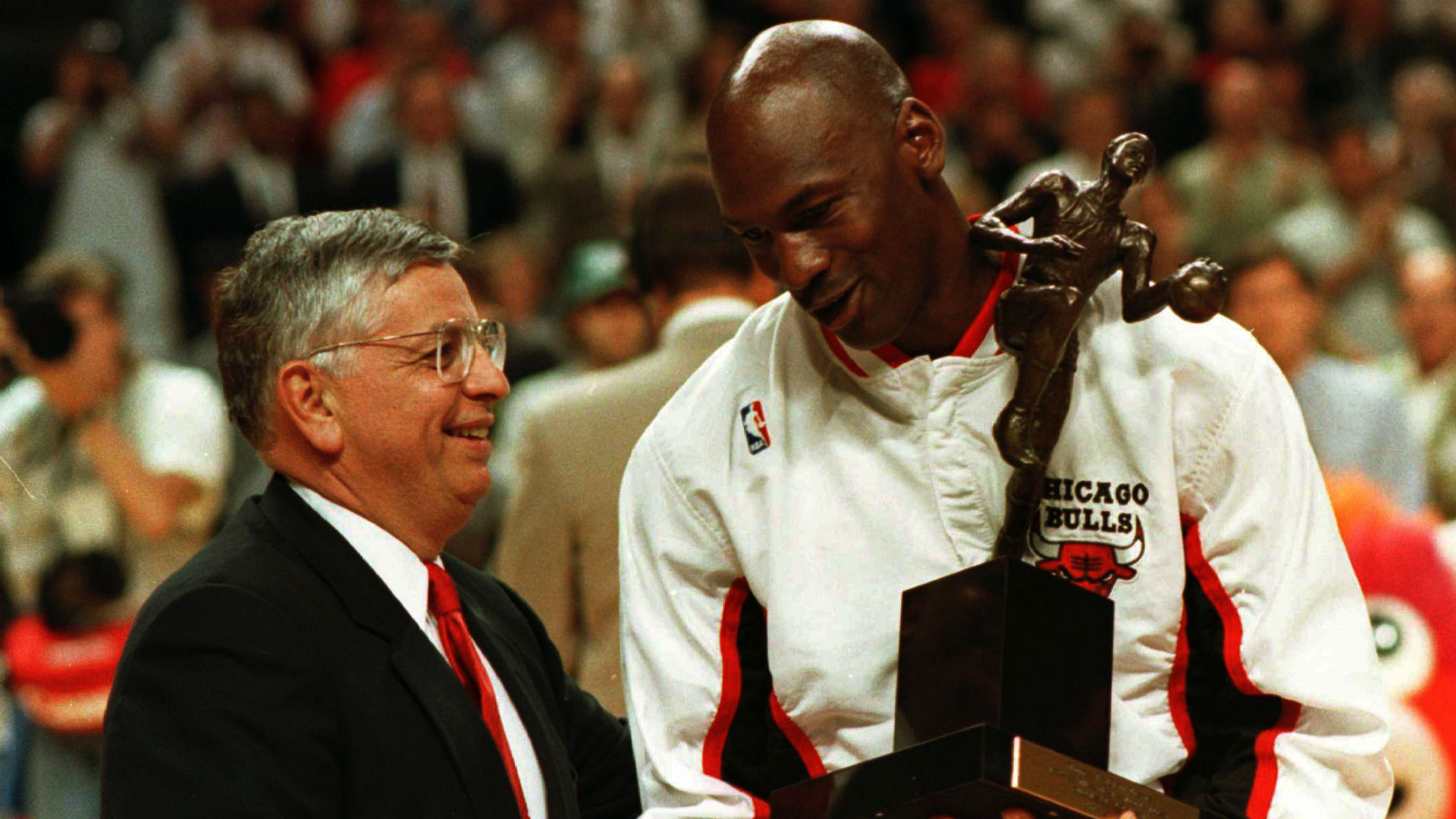 Michael Jordan, David Stern deny gambling conspiracy theory in 'The Last Dance'
