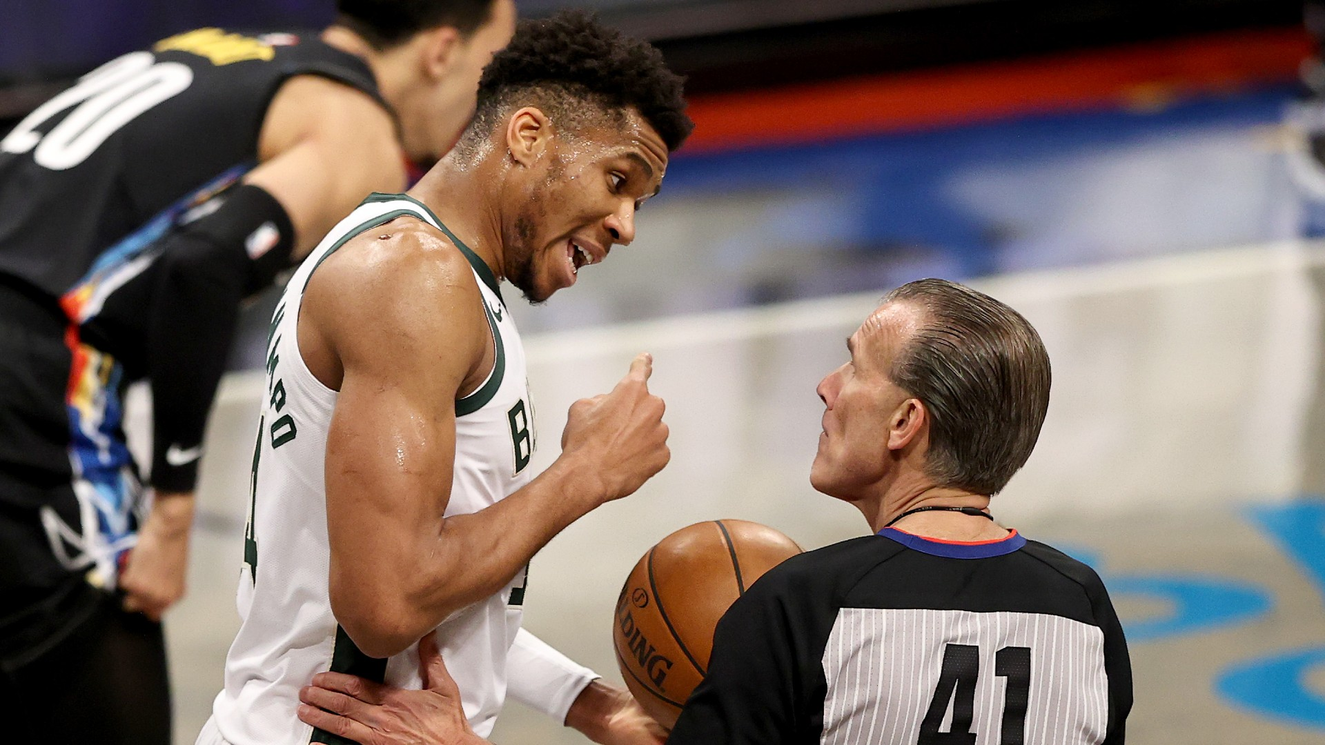 The collapse of the Bucks in the second half and the Nets went beyond the heroism of Kevin Durant