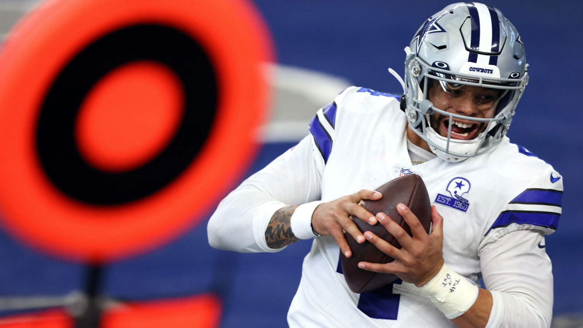 Cowboys' Dak Prescott caught a touchdown on a Philly Special lookalike 1