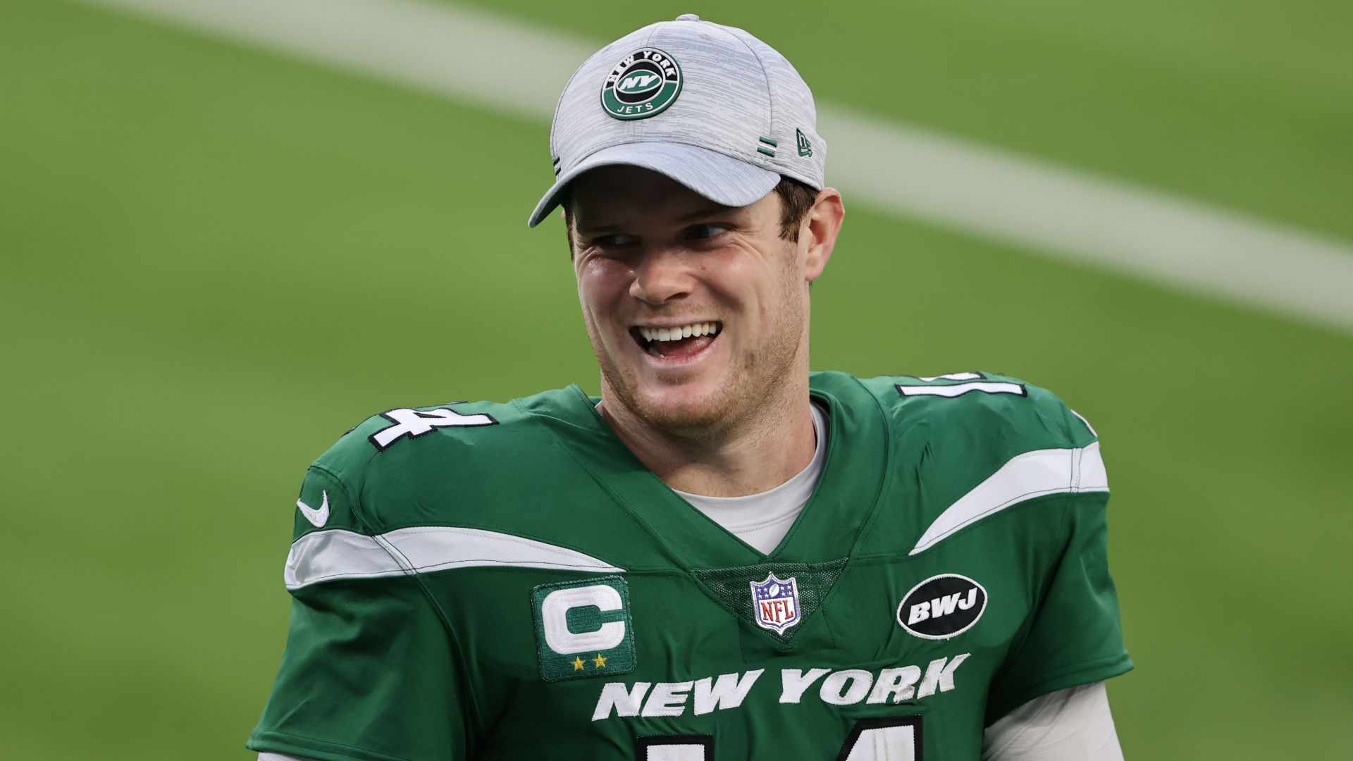 Sam Darnold threw a party after negotiating outside of the Jets
