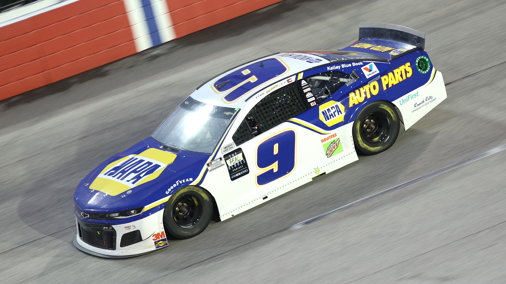 Chase Elliott 'one finger salute' T-shirts are already being sold 1