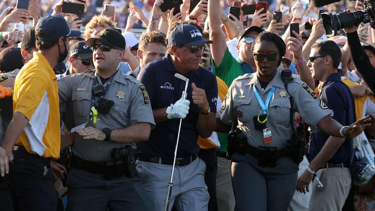 Phil-Mickelson-PGA-crowd-052321-Getty-FTR.jpg