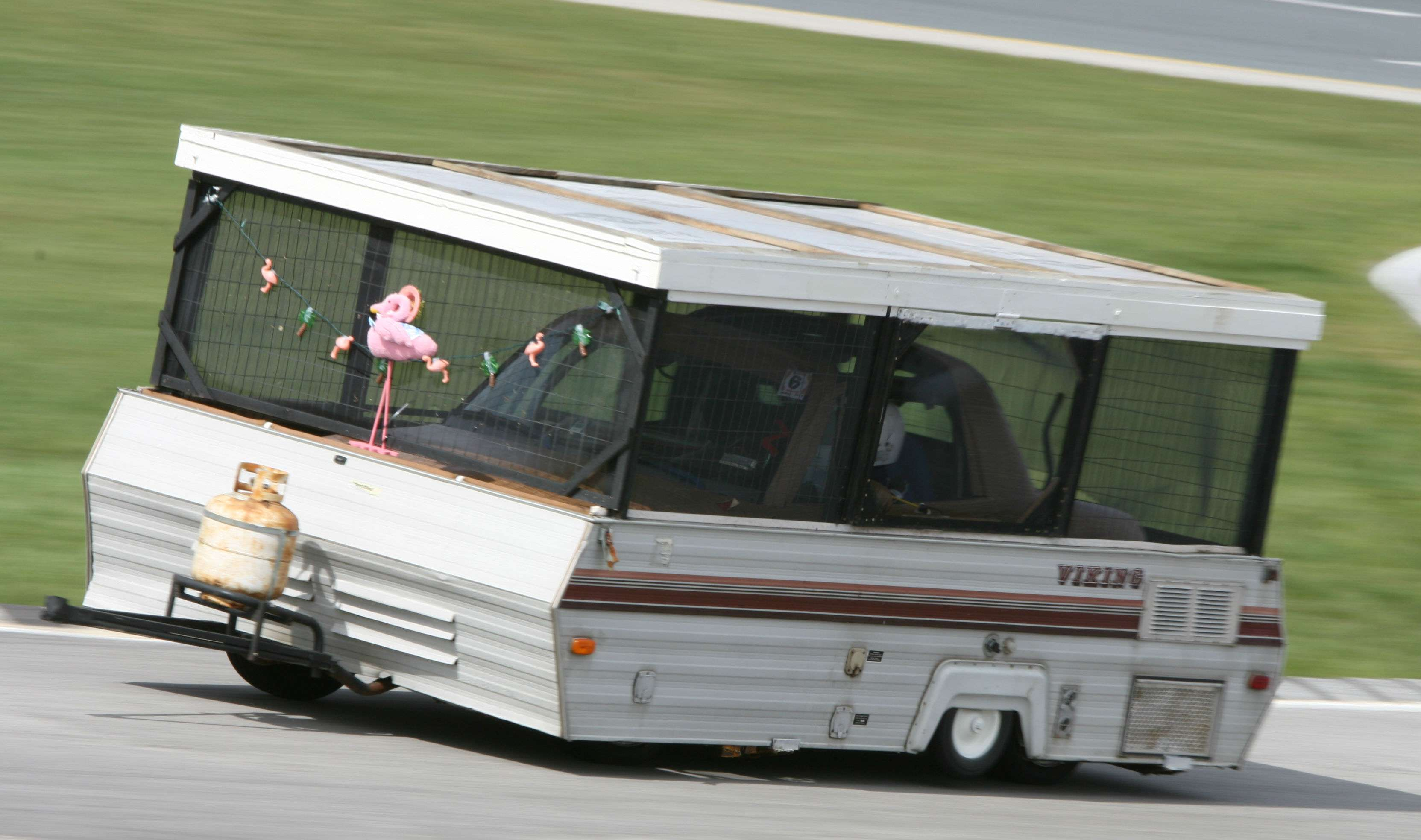 24 Hours Of Lemons >> 24 Hours Of Lemons Is Like The 24 Hours Of Le Mans Just