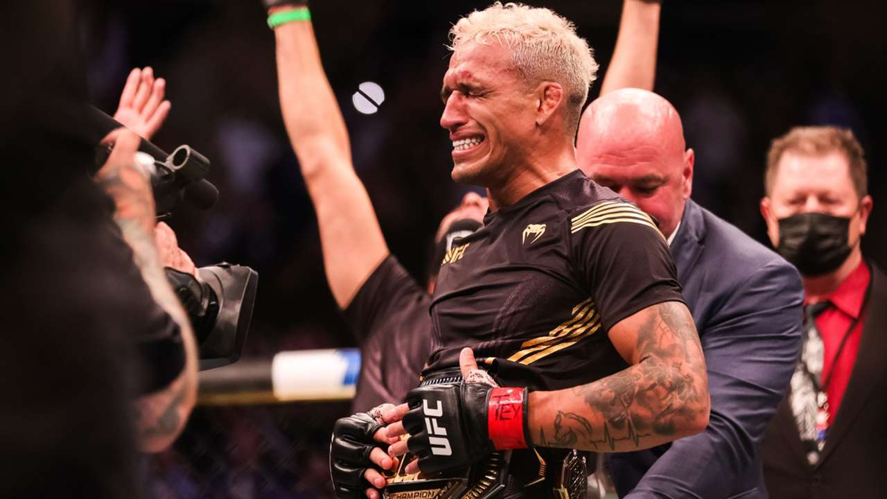Charles-Oliveira-UFC262-051521-Getty-FTR.jpg