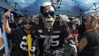 Raiders-fans-091315-Getty-FTR