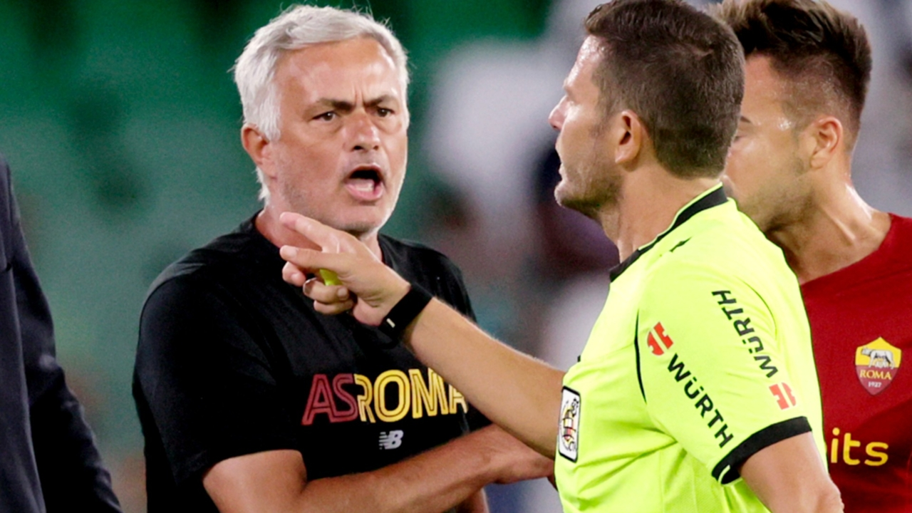 Jose Mourinho Shown Red Card After Storming The Field In Roma Friendly Vs Real Betis Sporting News
