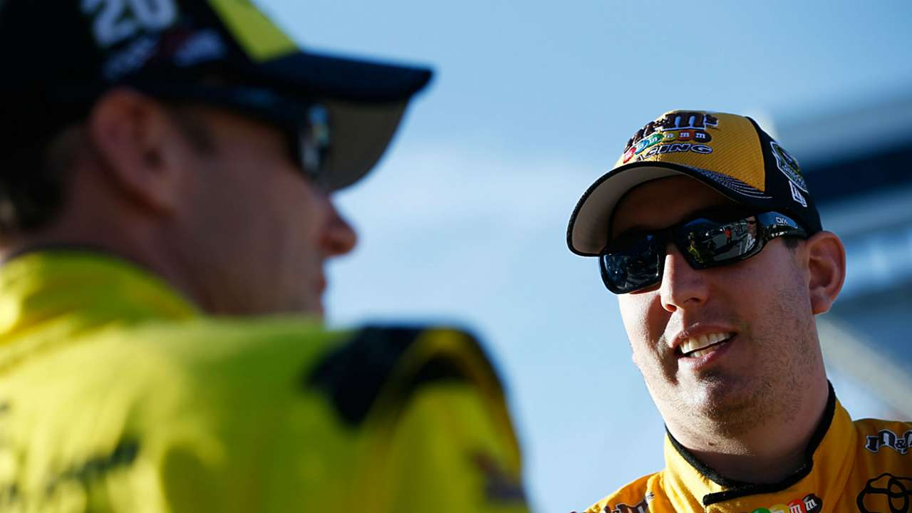 matt-kenseth-kyle-busch-getty-images-ftr-martinsville-103116