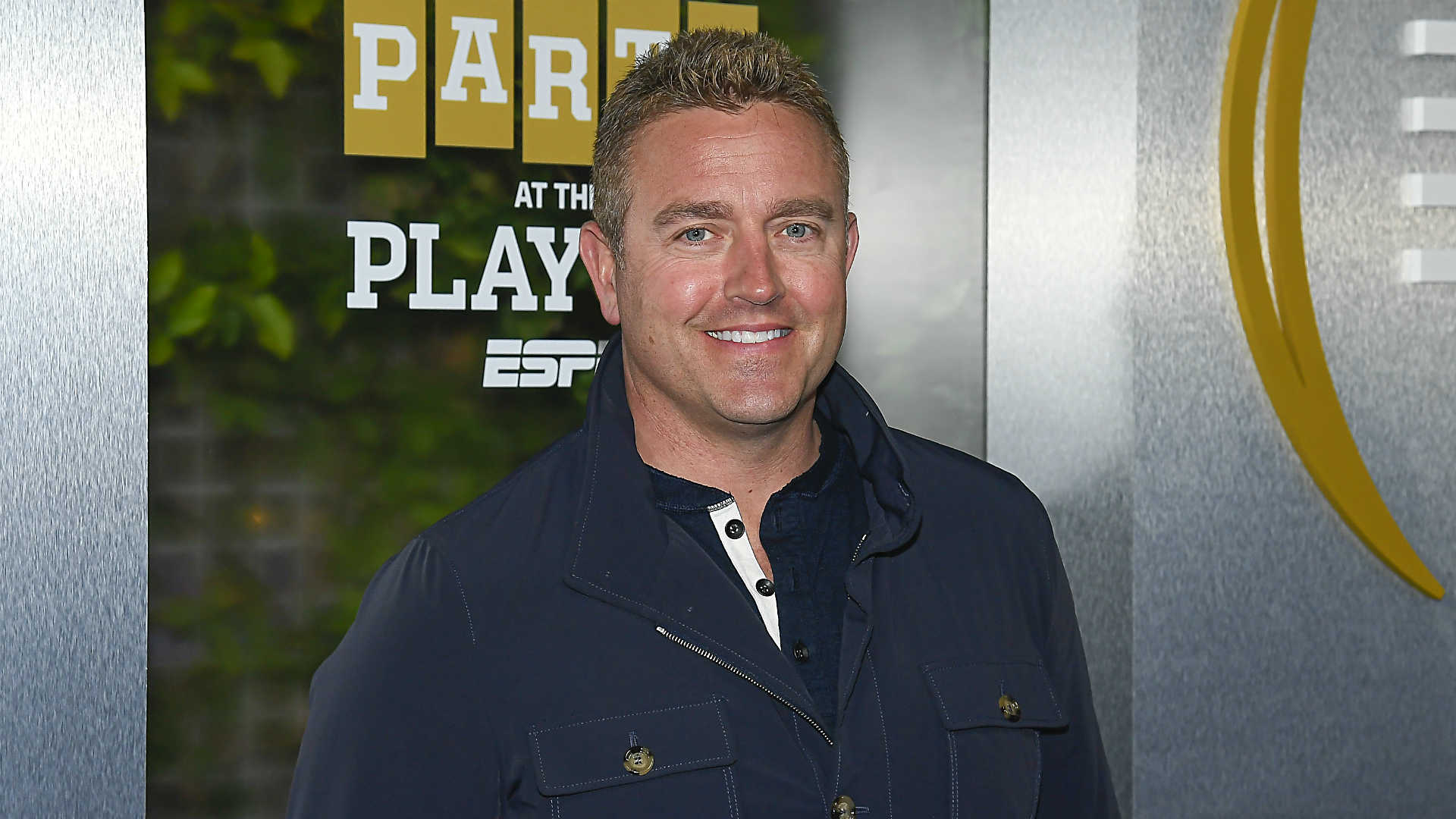 Why are Kirk Herbstreit, Chris Fowler announcing 'Monday Night Football'? 1