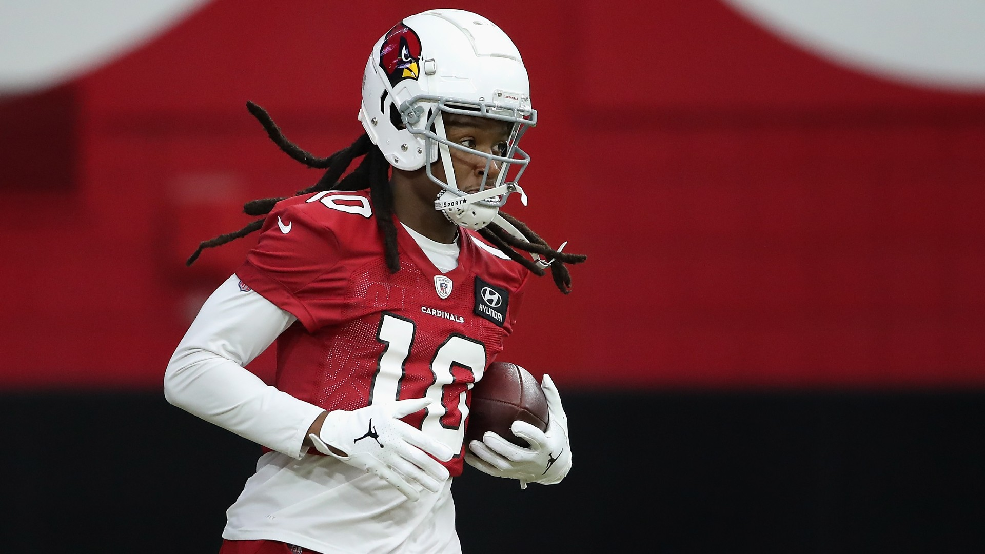 DeAndre Hopkins flipped off Donald Trump supporters because his finger was kinda hurting
