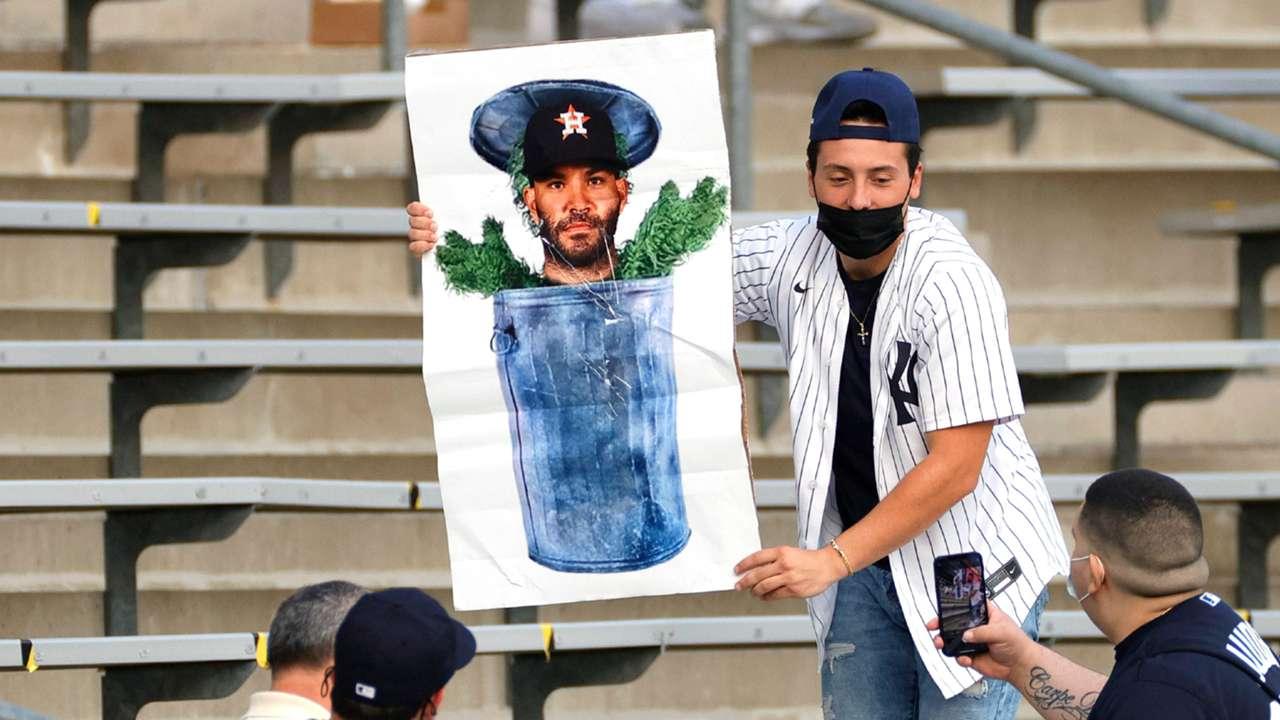 Yankees fan-050521-GETTY-FTR