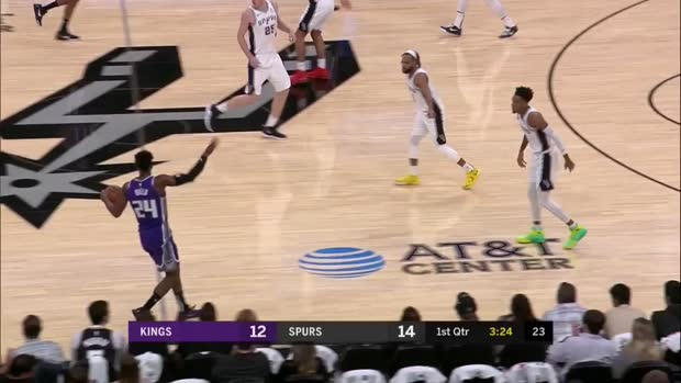 WSC: Jakob Poeltl (13 points) Highlights vs. Sacramento Kings