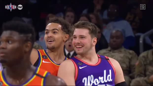 Doncic zeigts Young: Buzzerbeater mit Half-Court Shot | DAZN NBA