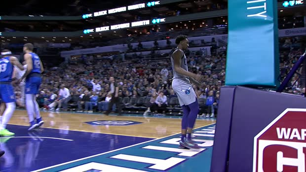Dunk of the Night: Malik Monk