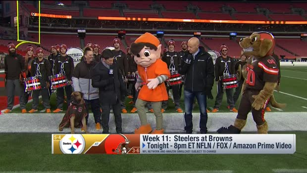 Swagger Jr. joins Browns' band prior to Steelers-Browns 'TNF' matchup