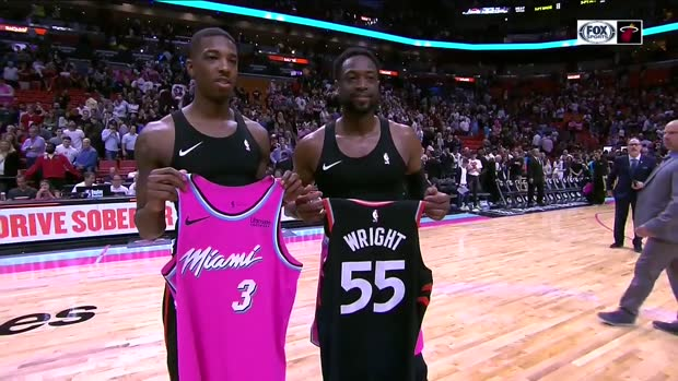 online retailer 95001 a06f6 Tis the season: Wade, Wright exchange jerseys after Heat ...