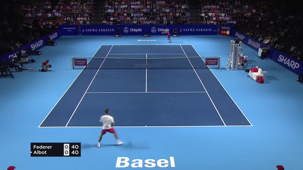 Tennis : Bâle - Federer sans pitié