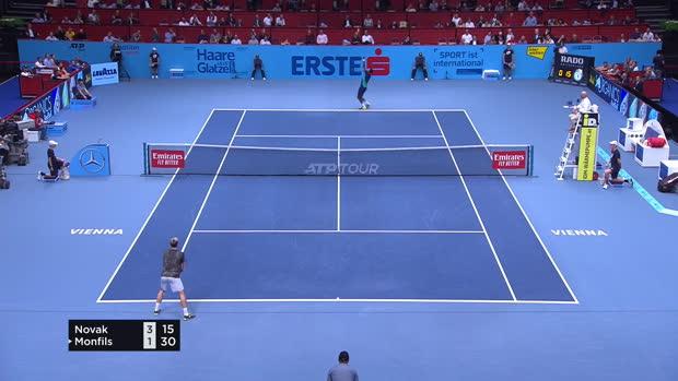 Tennis : Vienne - Monfils renverse la vapeur face à Novak