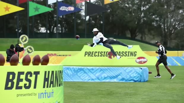 Green Bay Packers wide receiver Davante Adams shows off his hands | 2020 Pro Bowl Skills Showdown