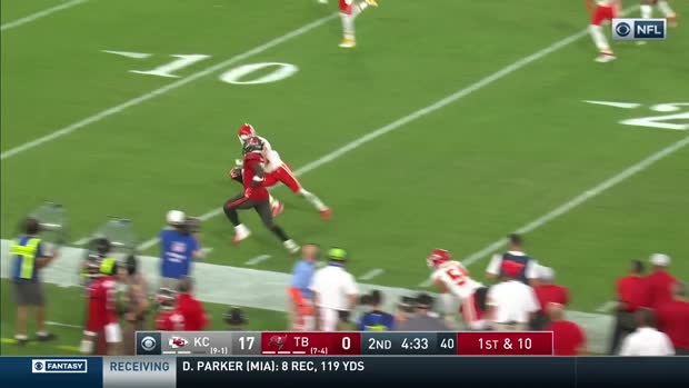 Can't-Miss Play: RoJo shows track background on hurdling 37-YARD TD