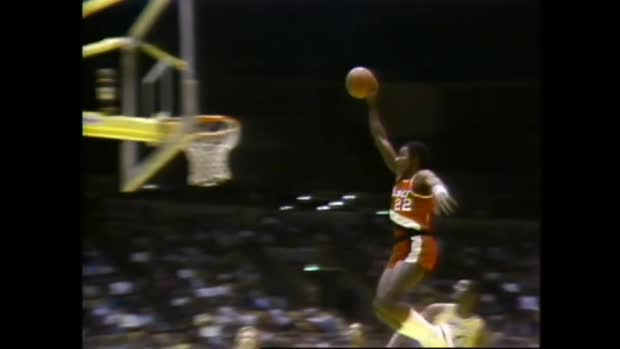 "Top 10 Dunks von Clyde ""The Glide"" Drexler 